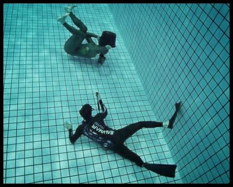 Hæve 16kg bly alternative klubmesterskaber bellahøj kfk københavns fridykkerklub undervandsfoto fridykning